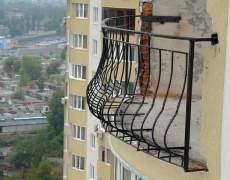 Ограждение балкона в высотном доме