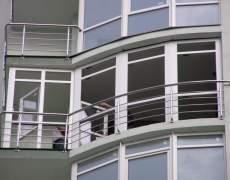 Ограждение окна в высотном доме
