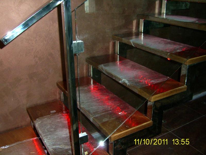 Ступени лестницы из дерева